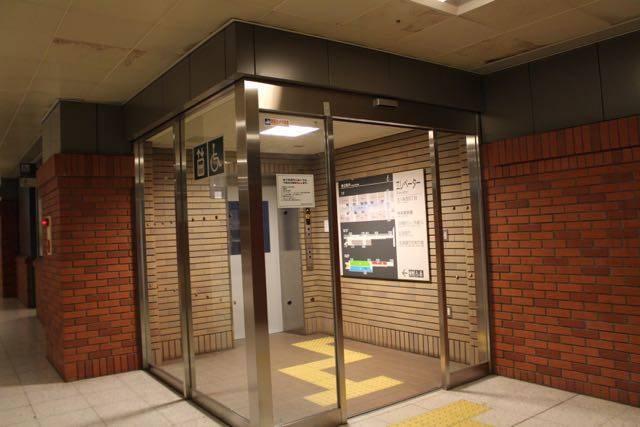 北一条地下駐車場 エレベーター