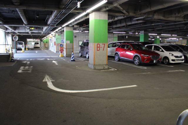 サンピアザ 駐車場