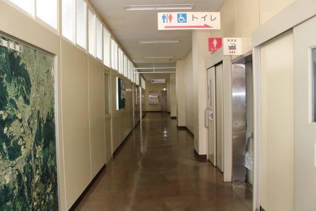 南区役所 廊下