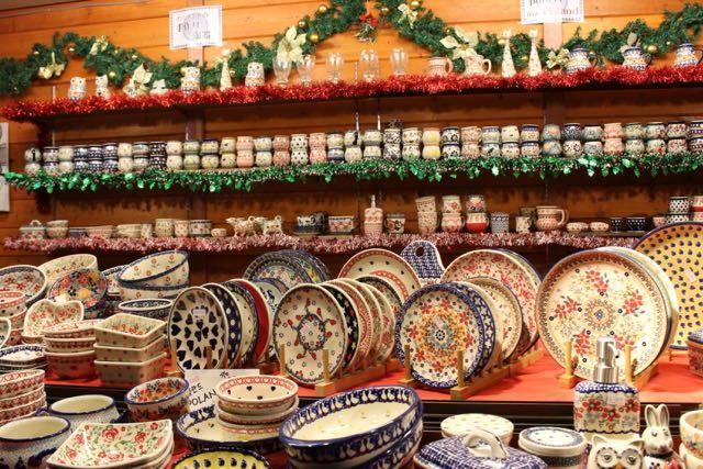 ポーランド製の手作り陶器