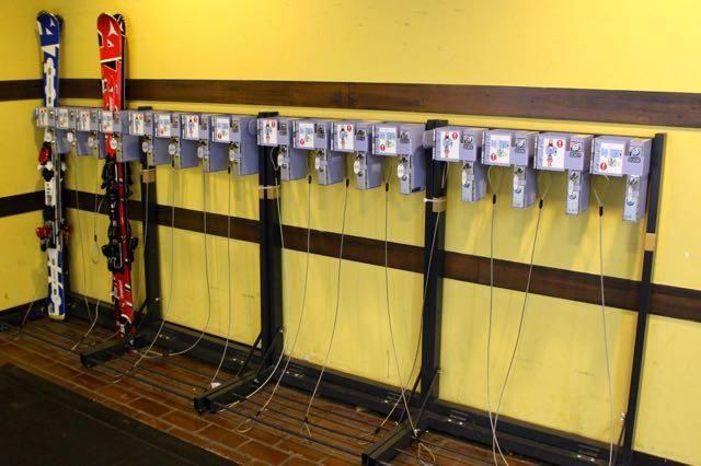 トマムスキー場 スキー板ロッカー