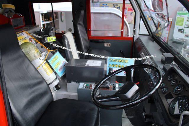 札幌市民防災センター はしご車運転席
