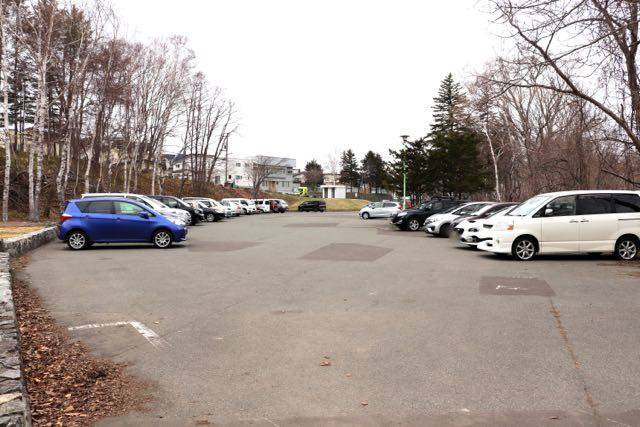 西岡公園 駐車場