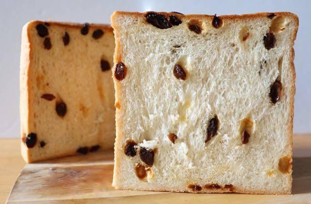 はせ川別誂 葡萄食パン