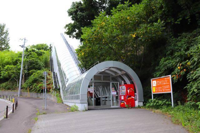 大倉山展望台 エスカレーター
