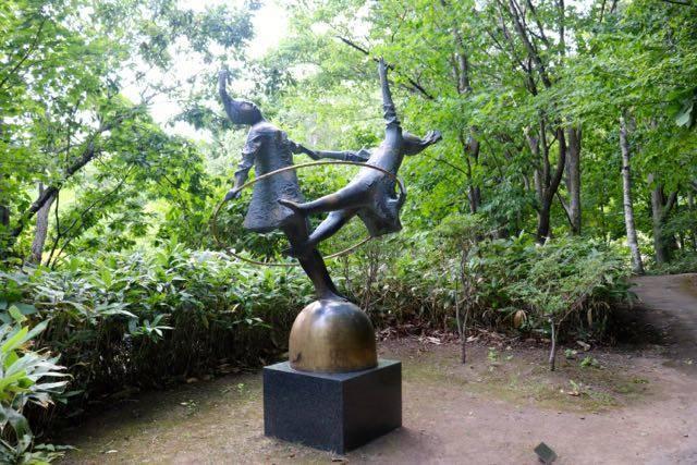 野外美術館 風と舞う日