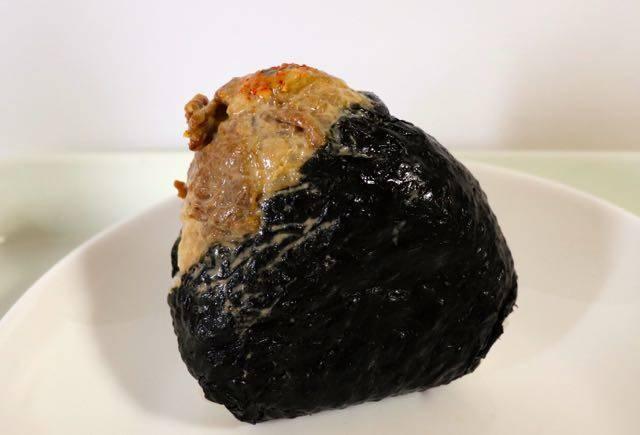 どんぐりのおにぎり 炭火牛カルビマヨ