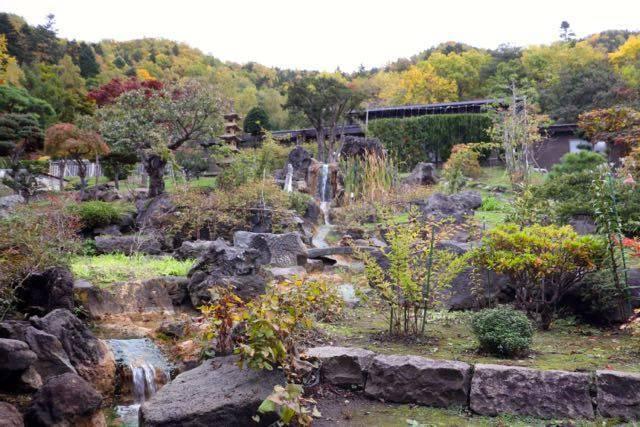 豊平峡温泉 レストランからの庭