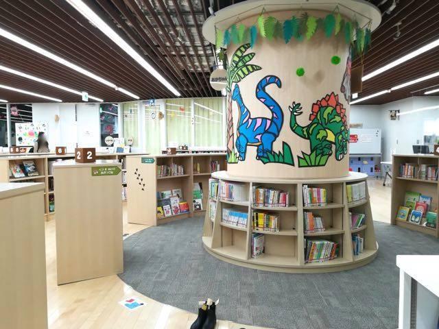 札幌えほん図書館 館内