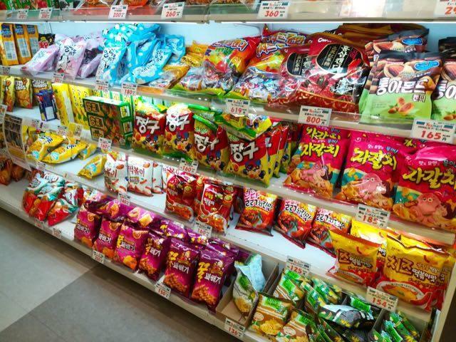 yes mart札幌店 韓国お菓子