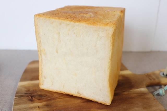 パンドラボラトリーアッシュ 食パン