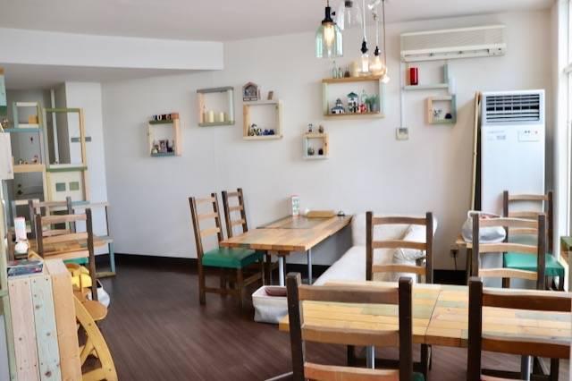 ブルーパンベイクショップ カフェスペース