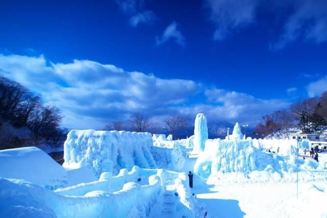 支笏湖氷とう祭り