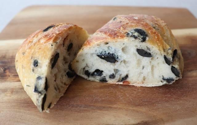 ルルド オリーブのパン