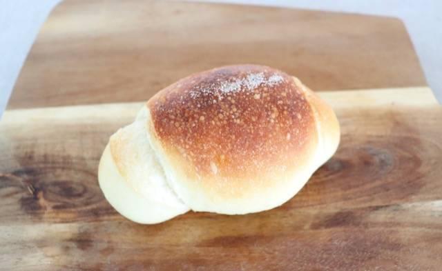パン屋 花林 塩パン