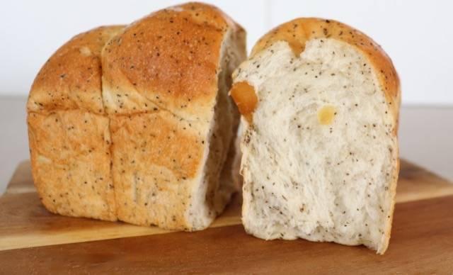 パン屋 花林 紅茶りんごのパン