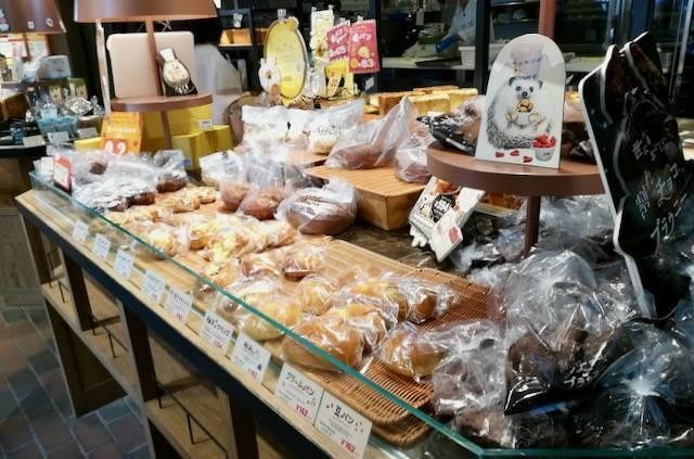 ハートブレッドアンティーク札幌北1条店 店内