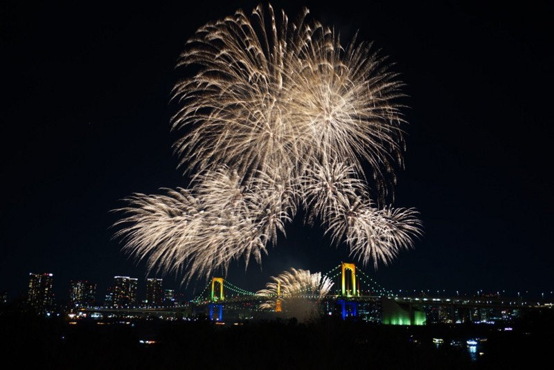 お台場花火 花火とレインボーブリッジと東京タワー