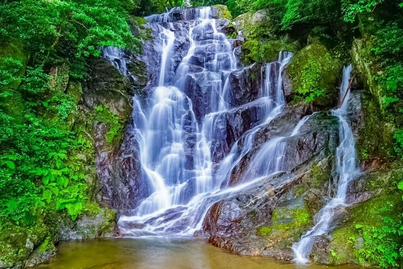 福岡県糸島市の白糸の滝