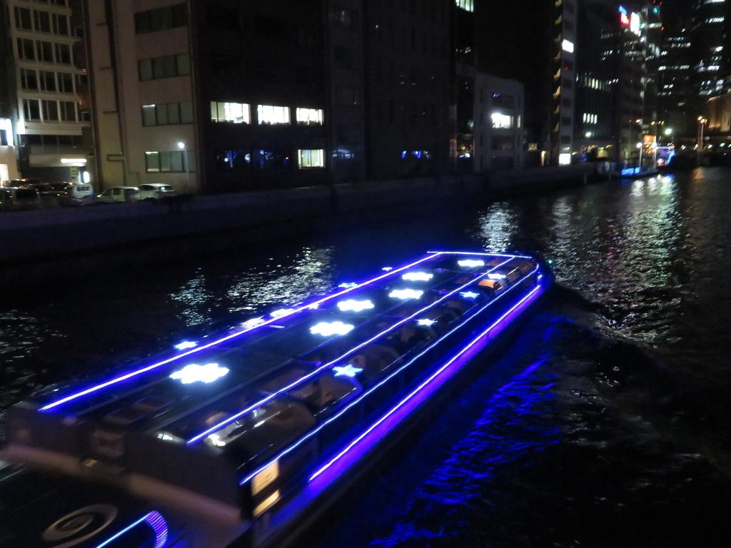 船のイルミネーション
