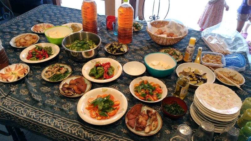 【みんなの縁側 王丸屋】地元の食材でみんなで料理