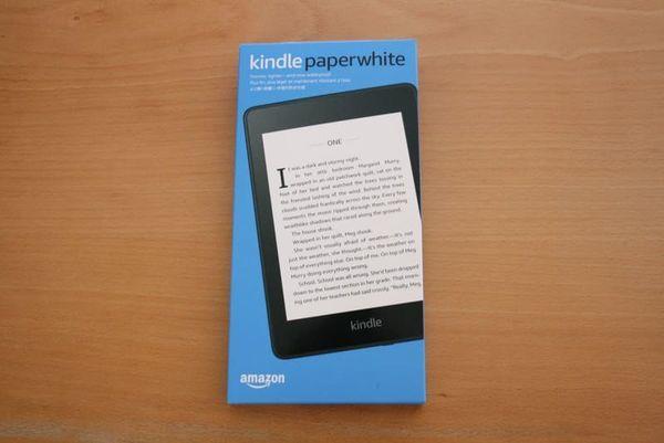 新型Kindle Paperwhite(第10世代)の写真