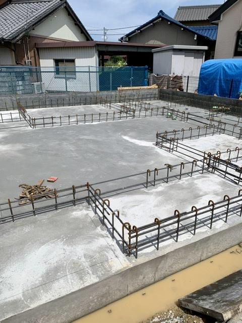 コンクリート 打設 基礎 養生 型枠 脱型 散水 乾燥