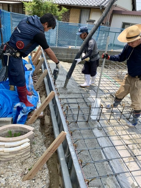 コンクリート 打設 基礎 圧送 型枠 バイブ 分離