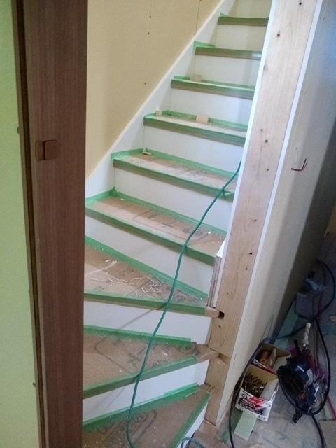 新築 内装 二世帯 階段 3階 段数