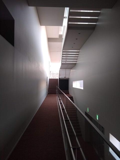 静岡市清水文化会館 マリナート 階段 廊下 おしゃれ