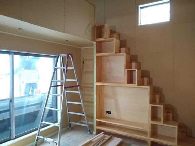 ロフト 階段 リビング テレビ台 棚 造作 互い違い おしゃれ