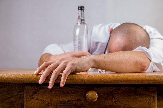 連休明けの仕事がだるくなるお酒の飲み方