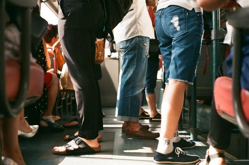電車通勤のストレスを軽減する方法