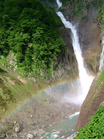 虹の称名滝