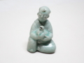 青磁彫刻童子形水滴