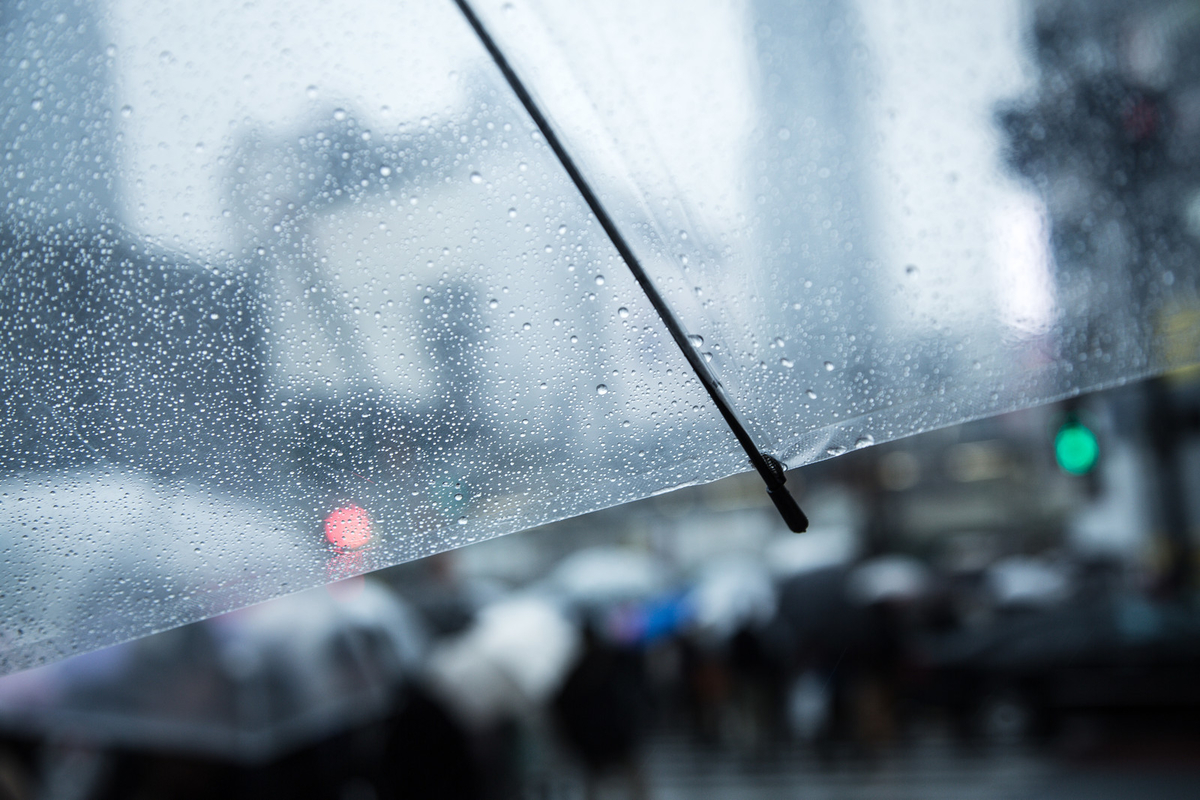 天気の悪い日のイメージ写真