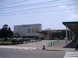 (競馬)JRA函館競馬場-入場門前