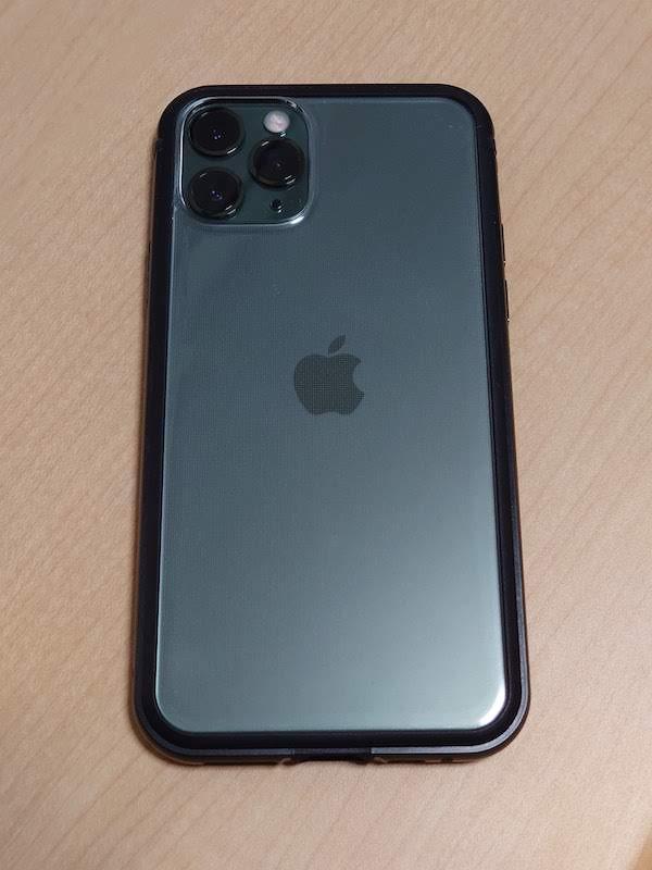 レイアウトの iPhone 11 Pro アルミバンパー+背面パネル(クリア)/ブラック