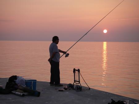 夕日+釣り人