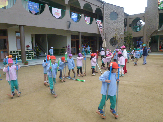 f:id:kodakara-kindergarten:20131212125325j:image:w360
