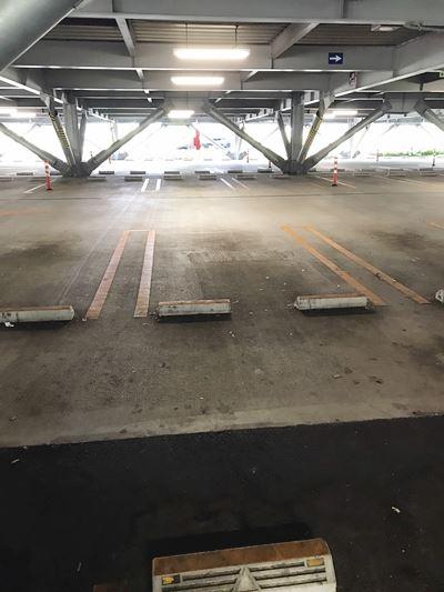 駐車場、入間