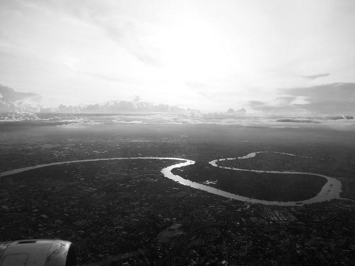 航空機内から鳥瞰(ちょうかん)したタイ