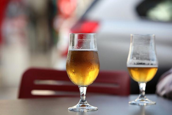 ビアグラスに入ったビール