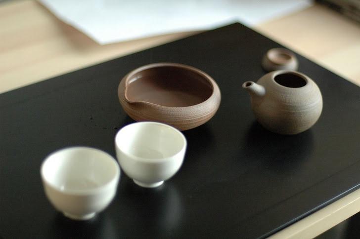 急須と茶飲み茶わん