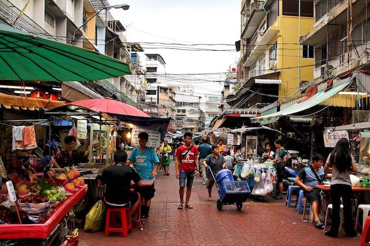 タイの市場にある通り