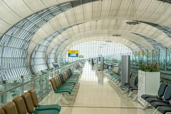 スワンナプーム国際空港のロビー