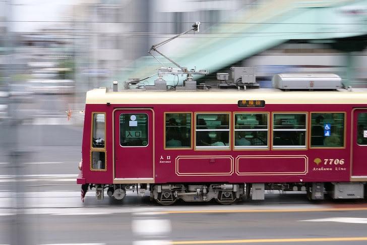 運行する東京さくらトラムこと都電荒川線の路面電車