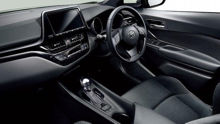 トヨタ・C-HRの内装