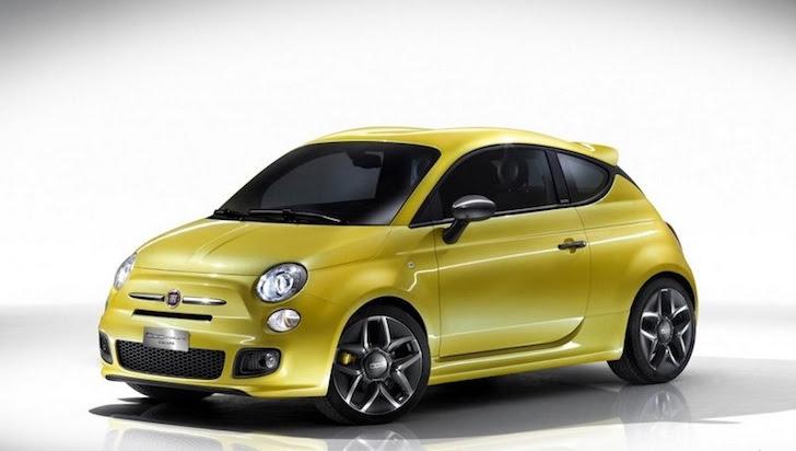 斜め前方から見た金色の新型FIAT 500のデザイン予想