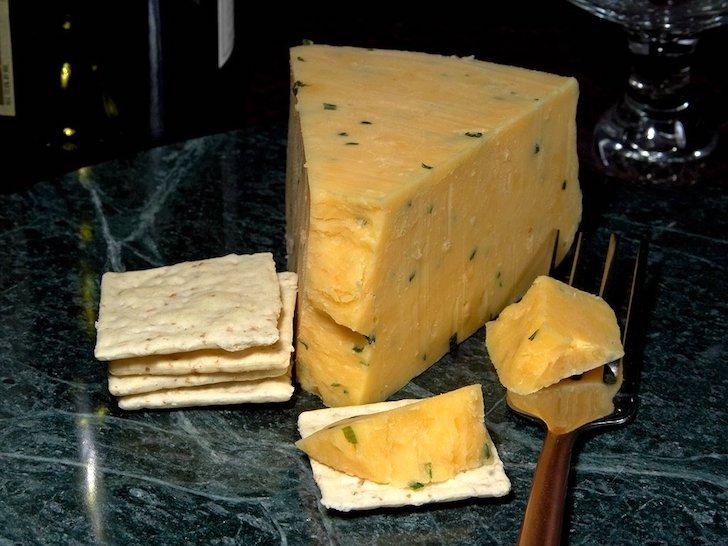 グロスターチーズとクラッカー